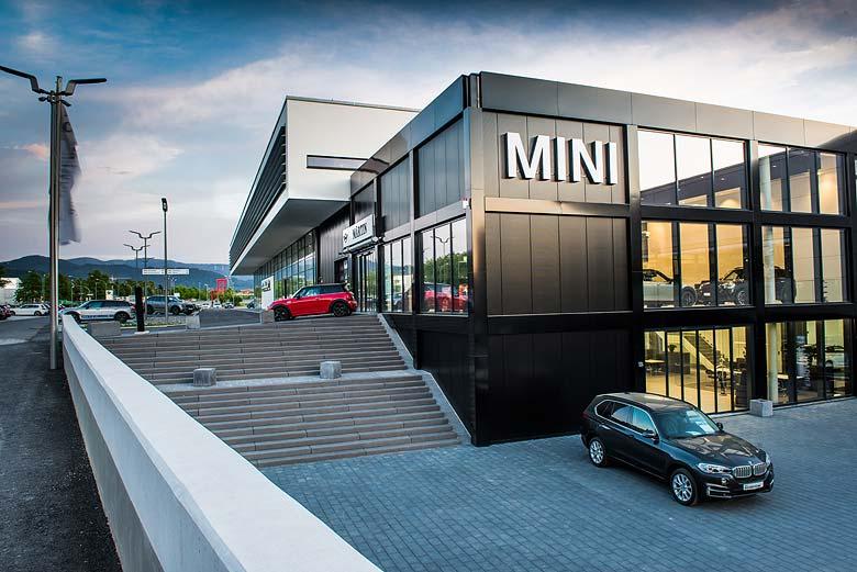 MINI Zentrum im neuen Autohaus Märtin Freiburg