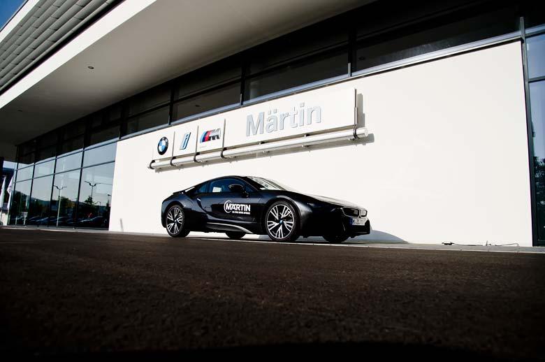 BMW i8 beim neuen Autohaus Märtin Freiburg