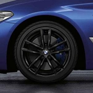 BMW Kompletträder M Doppelspeiche 662 schwarz glänzend 18 Zoll