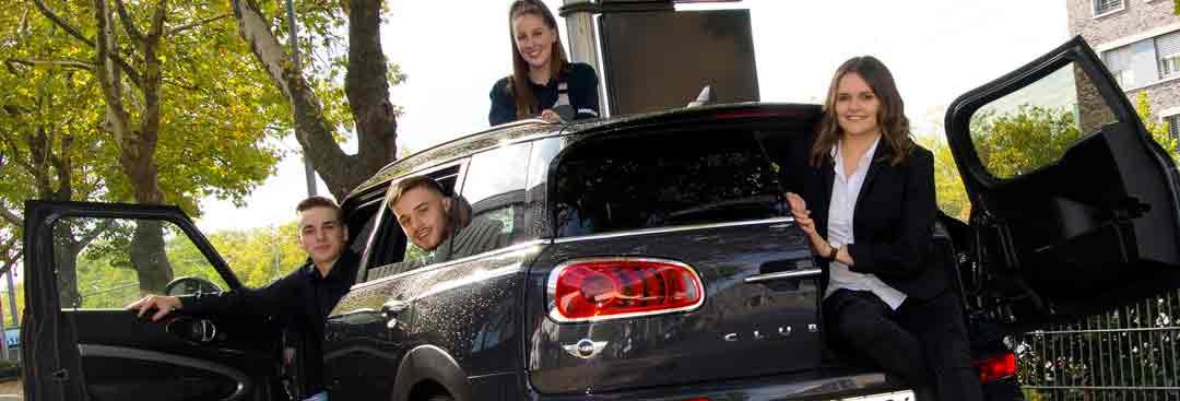 Auszubildende im Autohaus Märtin