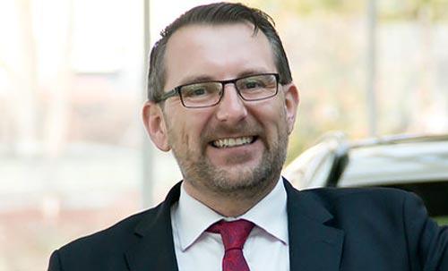 Oliver Wellbrock berät Sie in Bötzingen zu BMW M