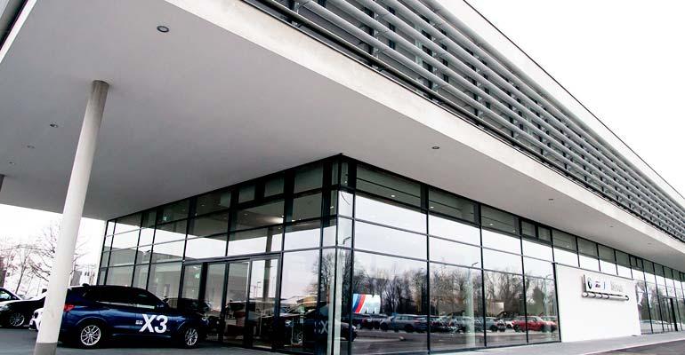 Das neue BMW Märtin Autohaus in Freiburg