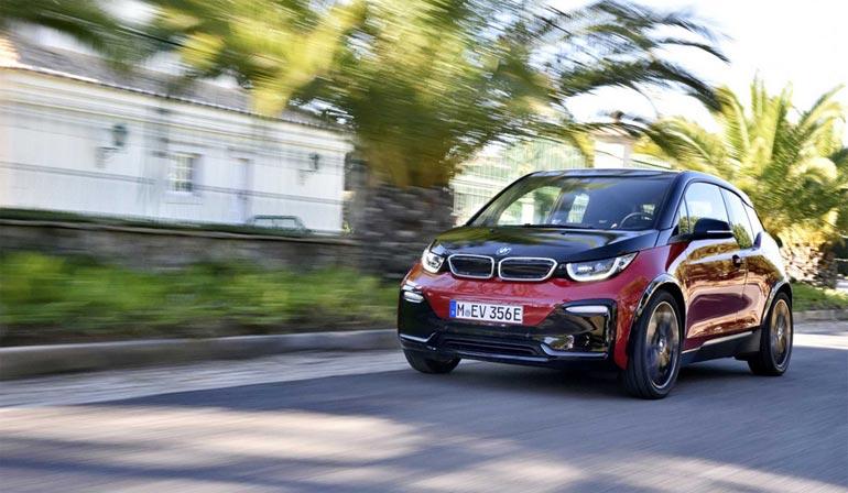 Der neue BMW i3s im Elektromobilitätszentrum Freiburg